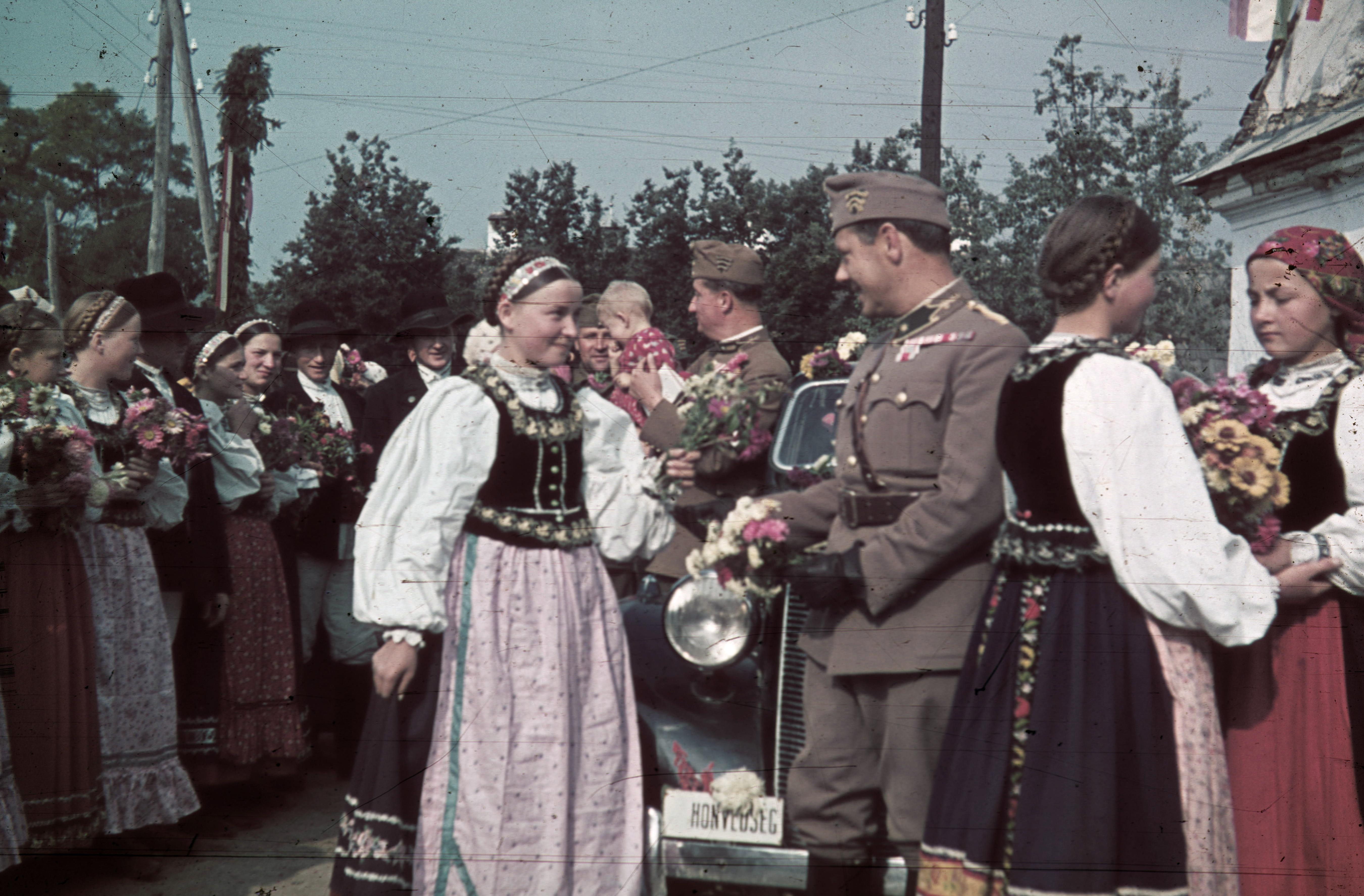 Az 1940-es észak-erdélyi bevonulás képekben